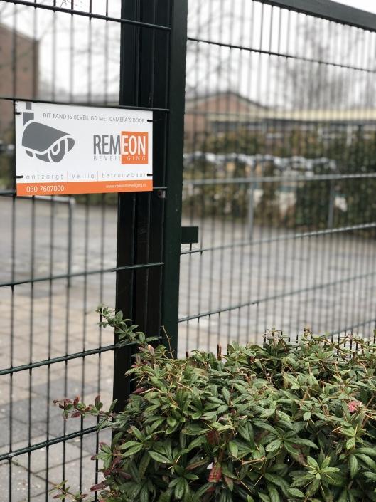 School beveiliging door Remeon